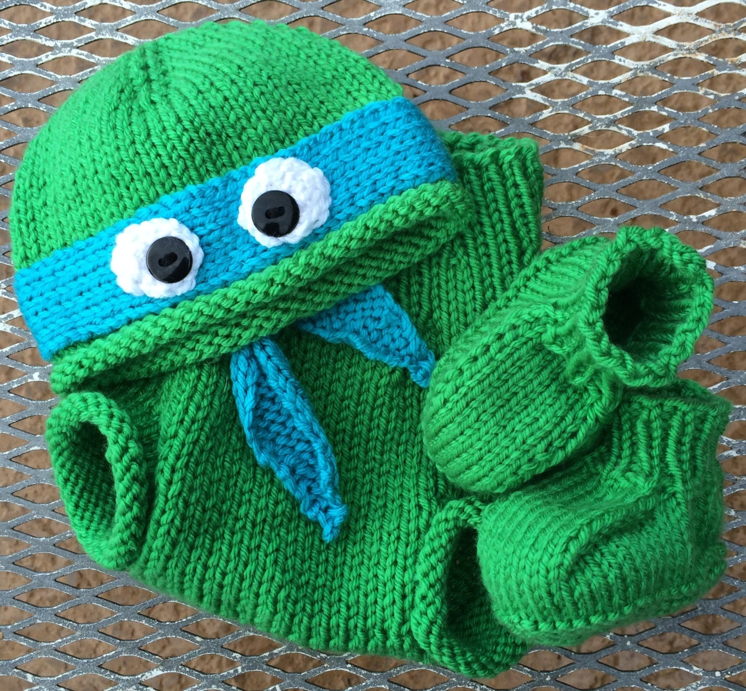 Hand-knit teenage mutant ninja turtle hat with booties and