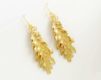 Oak leaf earrings, gold leaf earrings, leaf dangle earrings, nature earrings, woodland earrings, wedding jewelry, woodland wedding