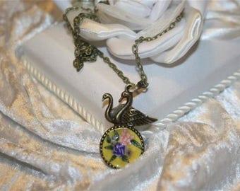 Swan pendant chain
