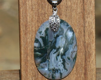 Moss Agate Healing Stone Necklace with Positive Healing Energy and Healing Stone Information!