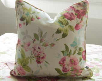 Noble Cushion cover/pillow 40 x 40 cm with rose pattern, contrast back and piping