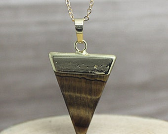 Tiger's Eye Triangle Pendant Necklace // Gold Crystal Quartz Point Pendant / Triangle Geometric Pendant Necklace/ Layering D2F5_18