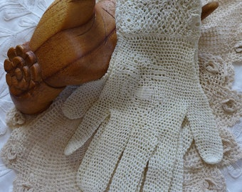 Crocheted Gloves past the wrist Ecru LaceCuff  Gloves Vintage Style Romantic Victorian Bridal Gloves  50s Dress Gloves size L Label
