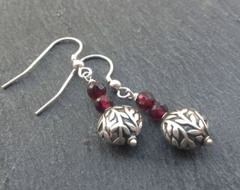 Bali silver/Garnet earrings/Sterling silver/gemstone earrings/red earrings/January birthstone/dangle earrings/drop earrings/gift for her