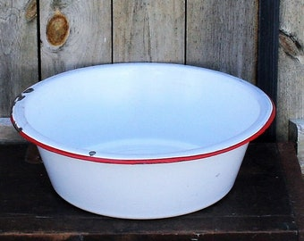 Vintage White With Red Trim Enamel Wash Basin, Vintage Enamelware Farm Wash Basin