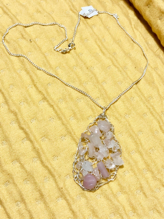 SJC10308 - Handmade sterling silver wire crochet asymmetric pendant necklace with pink quartz and glass beads