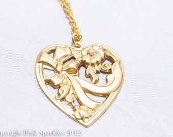 Vintage style Victoriana Heart Pendant Necklace