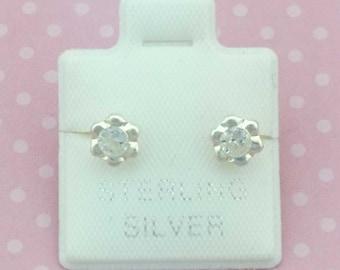 4mm Cubic Zirconia Stud, Sterling Silver Stud Earrings, Stud Earrings Bezel, 4mm Stud, Flower Stud, Broquel biselado 4mm, Broquel Flor