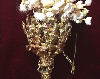 Superbe antique Victorian Era French Mother of Pearl and Ormolu bronze Pozy Holder Tussie Mussie