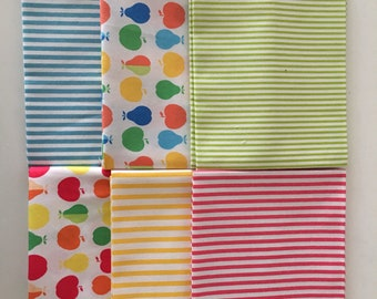 Apples and pears  - Japanese Cotton fabric - Fat Quarter Bundle
