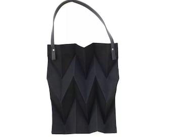 MINIMALIST WARDROBE   Iris Women's Tote Bag, foldable shopping bag, fabric tote, work bag, vegan bag