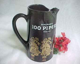 Vintage Seagrams 100 Pipers Scotch Advertising Water Jug, Promotional Bar Pitcher, Pub Jug Whiskey Barware With Gold Bagpipers in Kilts