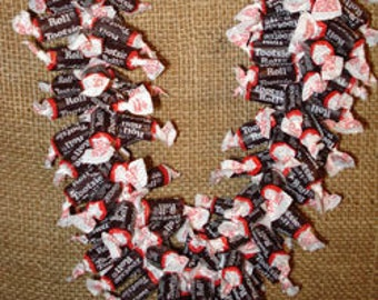 Giant Tootsie Roll Candy Lei - Graduation Lei (Plus 5 FREE Candy Necklaces)
