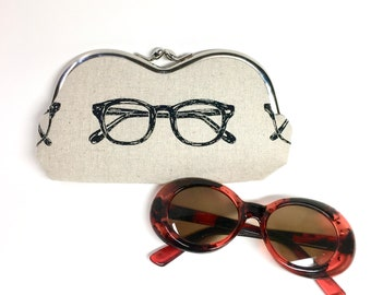 Kisslock Eyewear Case - Sunglasses