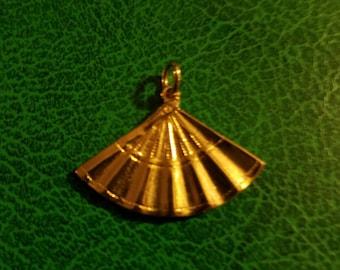 Vintage Art déco à plus tard fan pendentif breloque 14k 14kt or rempli / plaqué très bon état