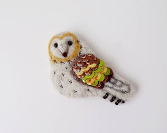 Owl Needle Felted Brooch, Bird Brooch, Woolfelt Brooch Owl, Felt Brooch Bird, Handmade Bird Brooch, Owl Pin, Bird Pin