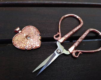 Rose Gold or Antique Silver Embroidery Scissor Set with Pendant Thread Cutter