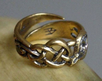 Medieval ring snakes. Celtic ring. Woman's ring. Scandinavia.