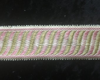 T000004 Pink Cream & Gold Braid Trim