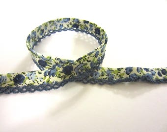 Slanted Ribbon with crochet trim/crochet edge-white with dark blue flowers
