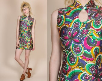 70s Flower Power Keyhole Mini Dress - Small // Vintage Psychedelic Floral Cheongsam Style Minidress