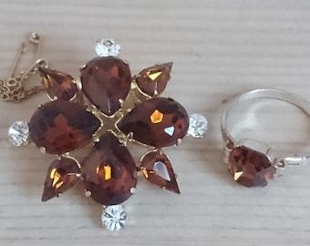 Vintage brown rhinestone brooch and ring