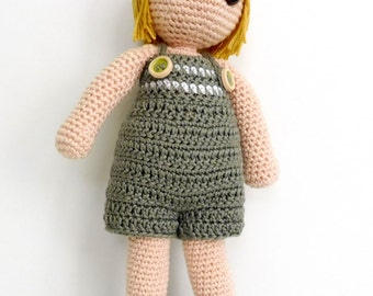 Amigurumi muñeco con pelo liso