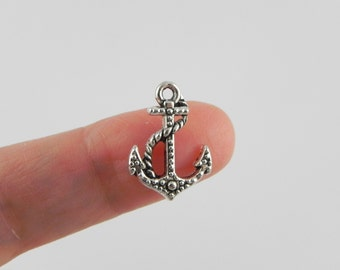20 Anchor Charms in Antiqued Silver - 18mm x 13mm