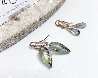 Dangle crystal earrings - iridescent gray/green/pink