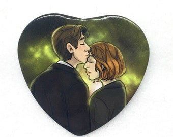 "X-Files Mulder and Scully kiss XFiles heart shaped 2"" pinback button"