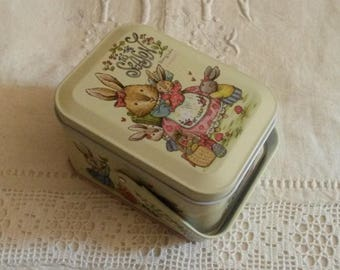 "Metal sewing box / naive decor children's story ""rabbit"""