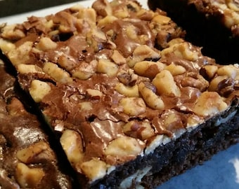 Homemade Chocolate Walnut Brownies - 12 Brownies