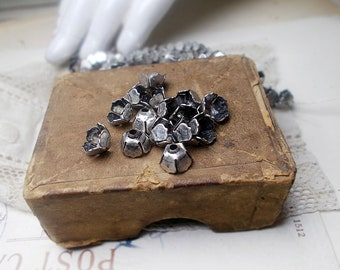 Rustic Flower Bead Caps - 15 Vintage Silver Tone Floral Cups - Small Deep Caps 7mm - Slight Age Worn Patina on Shiny Silver - kadabra