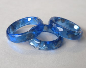 Resin Stacking Ring!  Deep blue Ice Resin coupled with Silver Mica Chips, create this dynamic faceted Ring! Lots of sparkle and dazzle here!
