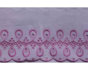 Pink embroidered lace 10.50 cm