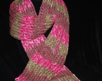 Blooming Color Hand Knit Scarf