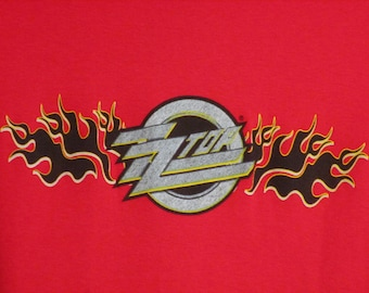ZZ-Top Shirt. Vintage T-shirt. Women's Graphic Tee. 80's Top. Retro Red Large. Country Rock. Texas Blues. Concert Festival. Chic Streetwear.