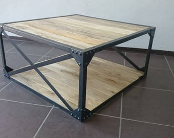 Coffee table solid wood and industrial metal