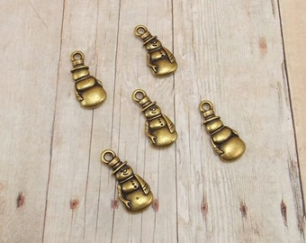 Set of 5 Tierra Cast Gold Pewter Charms - Snowman - Snowmen - Frosty - Antique Gold Finish