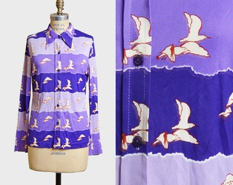 Vintage 70s Seagull Bird Nylon Knit TOP / 1970s Silky Figural Print Novelty Disco Shirt, s m