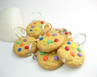 Rainbow Cookie Knitting Stitch Markers (Set of 6) food polymer clay, food charms, knitting accesories, knit, food gift for knitters for her