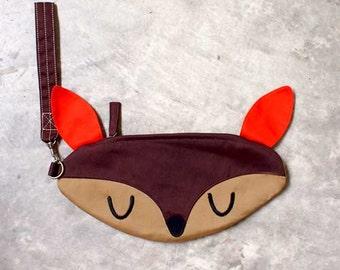 Deer Purse, Deer Pouch, Deer Wristlet, Wrist Clutch, , Doe-A-Deer, BROWN Color