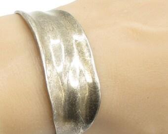 925 sterling silver - vintage wavy cuff bracelet - b1133