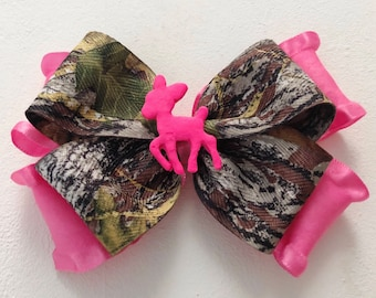 Oh Deer Daddy's Lil Hunting Princess Hot Pink MOSSY OAK Break Up Camo Ruffle Bow Clip