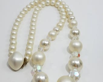 Beautiful Single Strand Faux Pearl & Cut Crystal Necklace