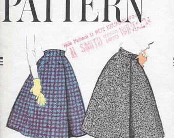 """Vintage 1950s Vogue Sewing Pattern 9556 - Misses' Wrapped skirt and petticoat """"easy to make"""" waist size 24 hip 33 FF"""
