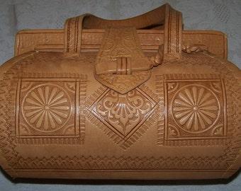 Stunning vintage hand-tooled leather purse
