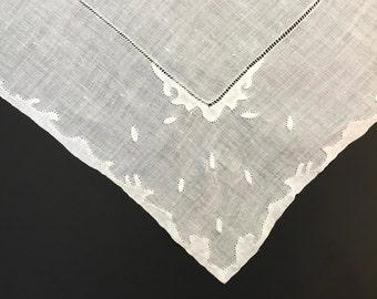 White Wedding Hankie - Bridal Shower Gift - Madeira Linen - Ladies Handkerchief - Vintage Hankies - Wedding Accessories - Madeira Hankie