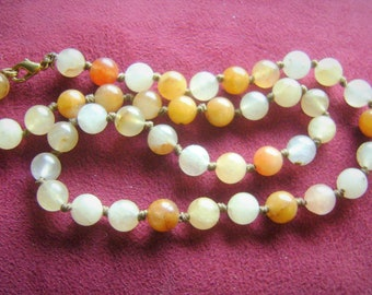 Pretty real jade beaded necklace, vintage, browwns and beiges'