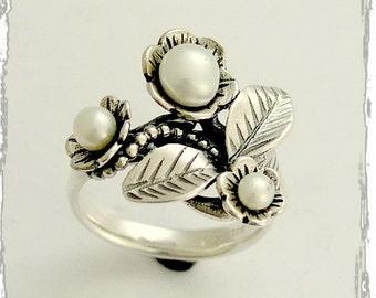 Sterling silver ring, pearls ring,  leaf ring, flowers ring, pearl silver ring, casual ring, engagement ring, botanical ring - Tonight R1696